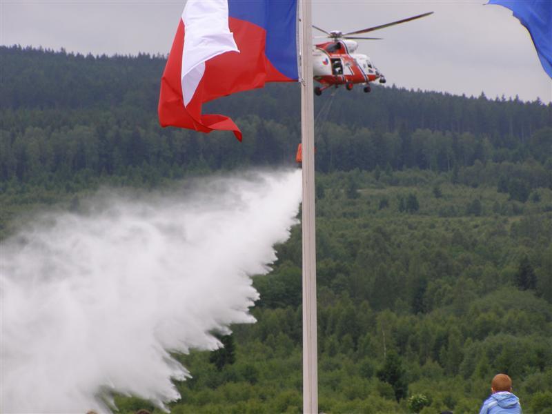 Bahna 2010 - hašení z vrtulníku